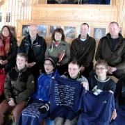 """Die GewinnerInnen der Verlosung unter """"Freiwilligen in Parks"""" mit KollegInnen und BetreuerInnen © Nationalpark Kellerwald-Edersee"""