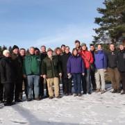 Gruppe von Menschen in Schneelandschaft